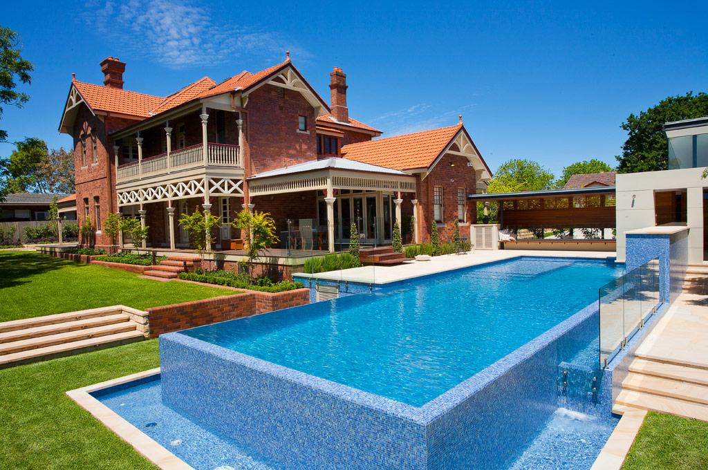 Fully-tiled Lap Pool – Roseville